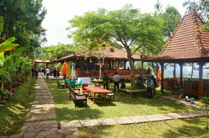 The Bale Restaurant di Mulberry Hill by The Lodge
