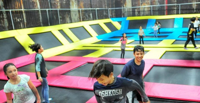 Houbii-Urban-Adventure-Park-Trampolin